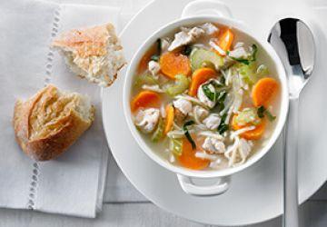 Soupe poulet etnouilles