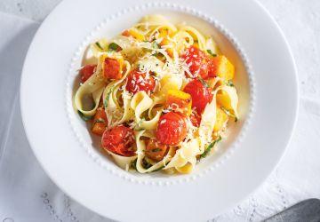 Pappardelles à la courge et aux tomates rôties