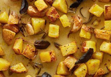 Pommes de terre rôties aux herbes et à l'ail