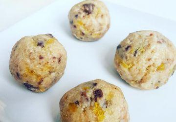 Boules d'énergie aux noix de cajou, chocolat noir et agrumes sans gluten moins de 100 calories