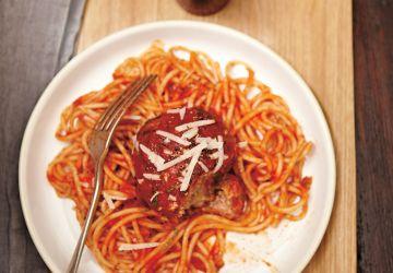 Spaghettis à la boulette géante