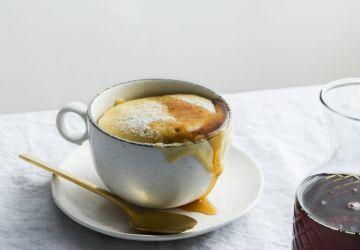 Petit gâteau à l'érable dans une tasse (au four à micro-ondes)