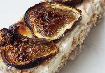 Gâteau au fromage léger et sans gluten aux figues