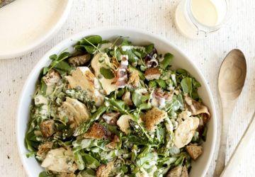 Salade d'asperges au poulet grillé & vinaigrette César à l'orange