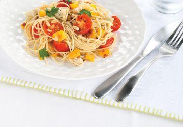 Spaghettis aux tomates fraîches et aux artichauts