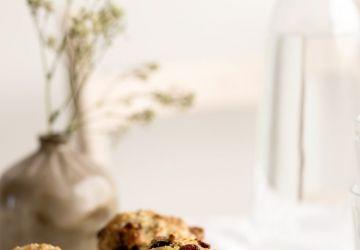 Muffins au gruau overnight, aux canneberges, au citron & au pavot