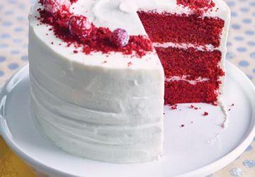 Gâteau Red Velvet et canneberges givrées