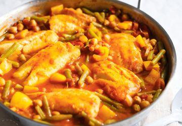 Casserole de poisson aux tomates et aux haricots verts