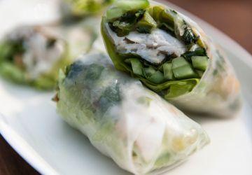 Poisson grillé, sauce aux oignons verts et aux arachides de Kim Thùy