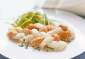 Torsades de poissons, sauce aux olives vertes