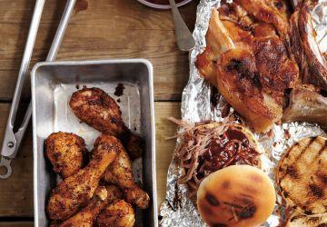 Épaule de porc effilochée de Bruce Banfill (pulled pork) version sur le barbecue au gaz