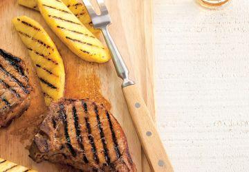 Côtelettes de porc barbecue à l'ananas