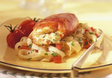 Suprêmes de poulet farcis à la ricotta et aux tomates séchées