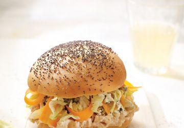 Sandwich au poulet barbecue et au fromage bleu