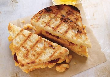 Grilled cheese au macaroni au fromage