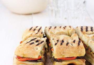 Sandwich à partager aux légumes rôtis