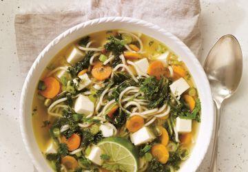 Soupe au tofu et au kale