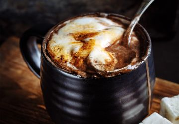 Chocolat chaud à la guimauve fondue