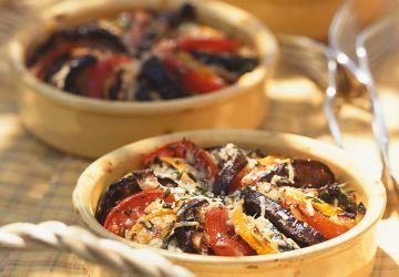 Tians de tomates et de légumes grillés