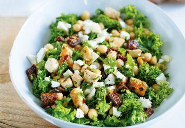 Salade de kale au poulet et aux figues