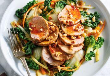 Salade de bok choy et de filet de porc, vinaigrette teriyaki