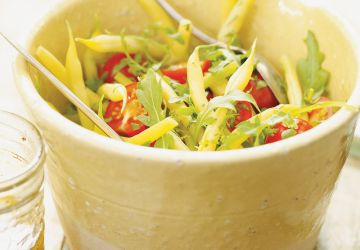 Salade de haricots jaunes, de roquette et de tomate