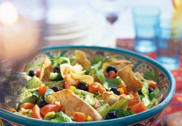 Salade fattouche (salade avec pains pitas)