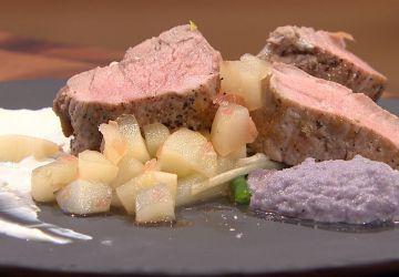Filet de porc, purée de chou rouge et salade de haricots verts