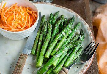 Asperges et carottes en vinaigrette