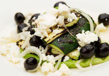 Salade grecque sur le BBQ