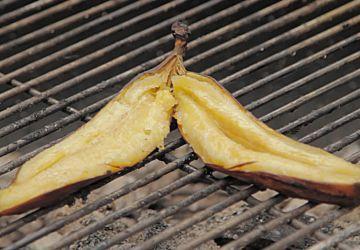 Banane flambée au rhum sur le BBQ