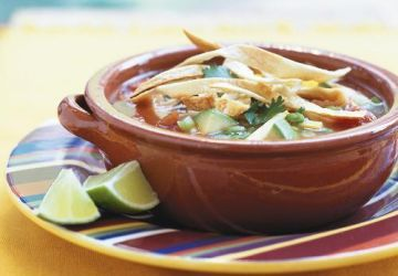 Soupe mexicaine au poulet et aux tortillas