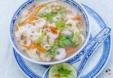 Soupe orientale aux crevettes