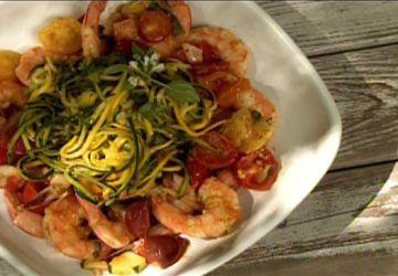 Spaghetti de courgettes et crevettes à l'ail