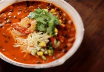 Soupe aux tomates, version mexicaine