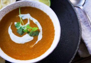Soupe indienne de lentilles rouges