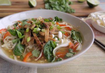 Soupe tonkinoise au porc caramélisé