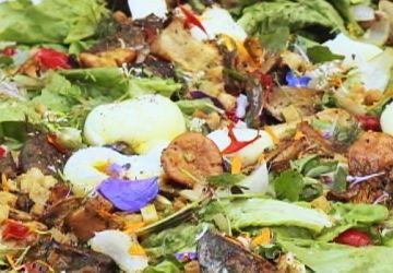 Salade de champignons sauvages grillés