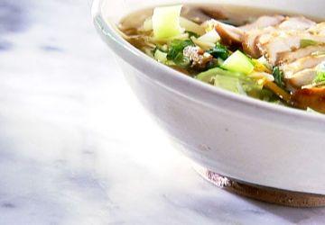 Soupe-repas asiatique au poulet