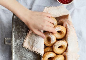 Beignets cuits au four à la confiture de fraises & au chia (sans lactose)