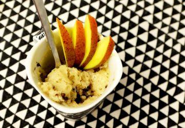 Gâteau dans une tasse à la mangue sans oeuf