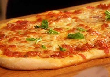 Pizza au prosciutto et au fromage