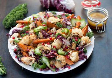 Salade d'hiver aux légumes rôtis